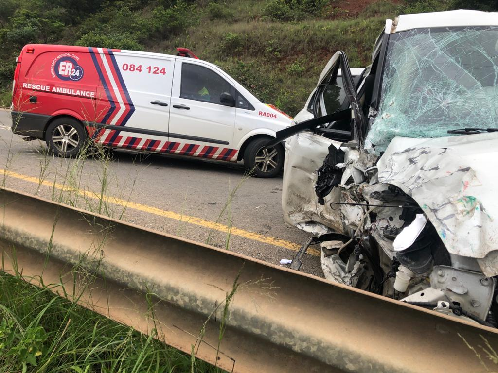 Taxi and car collide leaving eight injured at Henley Dam
